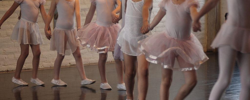 Tessa fotografeert een balletklas
